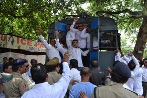 Bhubaneswar re high court shifting pain okila manaka sobhayatra (4)
