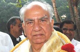Shanta-Kumar-300x217