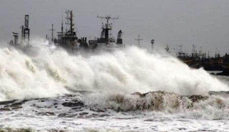 Cyclone_12102013