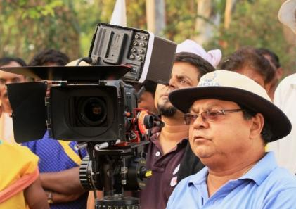 Director Working Still 03