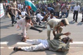 NKS workers block CM's way