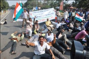NKS workers block CM's path