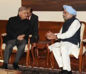 The Chief Minister of Punjab, Pakistan, Mr. Muhammad Shahbaz Sharif meeting the Prime Minister, Dr. Manmohan Singh, in New Delhi on December 12, 2013.