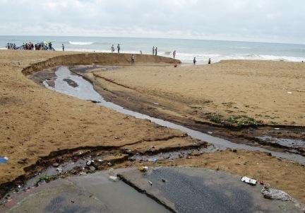 Puri beach pollution