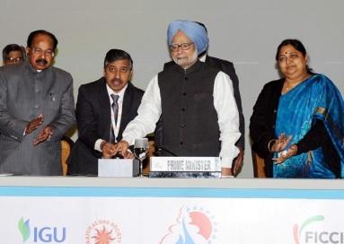 PM, Dr. Manmohan Singh dedicating the GAIL (India) Limited?s 1,000 km-long natural gas pipeline from Dabhol, Maharashtra to Bengaluru