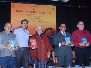 Prof Romila Thapar and Prof Herman Kulke at the book release function