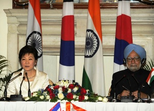 PM Manmohan Singh with South Korean President . Park Geun-hye