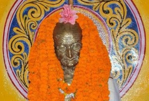 Bronze statue of  Mahatma Gandhi at Bhatra