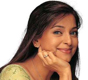 Juhi Chawla ( source : topnews.com)