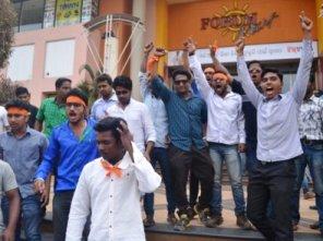 Bajrang Dal activists raiding Big Bazaar
