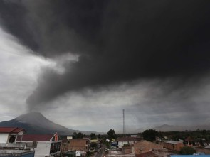 Mount Sinabung (pic courtesy news.bbcimg.co.uk )