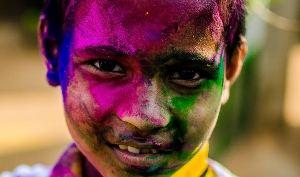 This boy in the Salia Sahi slum in Bhubaneswar enjoys it every bit ( Pic by Raj Sampad )