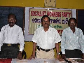 Niranjan Mohanty (middle) at the SWO press conference