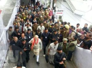 Modi visiting Mata Vaishno Devi Shrine1