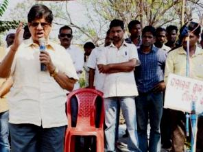 Soumya Ranjan addressing the protest rally at Choudwar