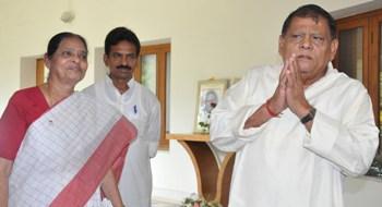Kamala Das and Umesh Swain, who recently left the Congress, at Naveen Nivas after meeting BJD supremo Naveen Patnaik. Also seen is Rourkela MLA Sarada Nayak