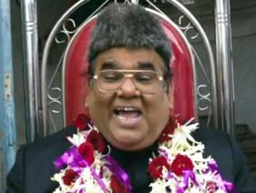 Satish Koushik in Dekh Tamasha Dekh