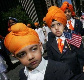 Sikh schoolboys in the US (source: yespunjab.com)