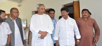 BJD supremo Naveen Patnaik and JMM state president Sudam Marandi at Naveen Nivas after finalising a seat sharing arrangement in Mayurbhanj and Sundargarh districts