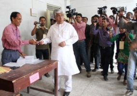 Tripura chief minister Manik Sarkar at the voting booth (  Pic : P Das/IANS)