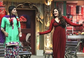 Raveena Tandon with Chutki on Mad In India (Sunday, 20th April @ 9pm only on Star Plus)_2
