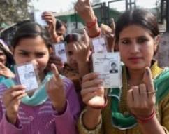 Voters in Delhi