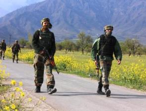 Security personnel during an operation after a militant attack at Khrew in Pulwama, on April 13, 2014. (Photo: IANS)