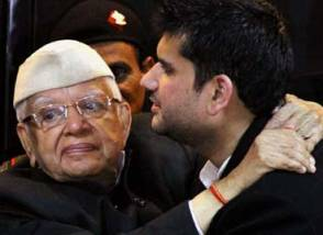 ND Tiwari with son Rohit ( source : Indian Express)