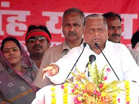 Samajwadi Party chief, Mulayam Singh Yadav addresses a public meeting at K. P. College ground in Allahabad on May 3, 2014. (Photo: IANS)