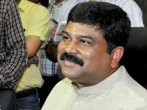 Shri Dharmendra Pradhan taking charge as the Minister of State (Independent Charge) for Petroleum and Natural Gas, in New Delhi on May 27, 2014.