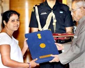 Padmabati Meher receiving the FN Award