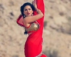 Sunny in 'Sariwali Girl'
