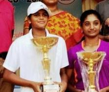 Rutuparna (L) with trophy
