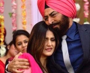 Zarine Khan & Vindu Dara Singh in 'Jatt James Bond'