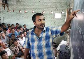 Anand Kumar at the Super 30 free coaching centre ( source:rediff.com)