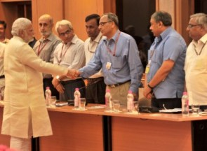 PM meeting secretaries (PIB pic)