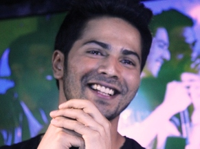 Varun Dhawan singing at the first MTV Bollyland Club Night
