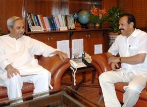 Odisha CM with Railway minister S.Gowda