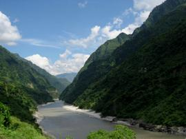 River Beas in Himachal ( source : peopleholidays.net)