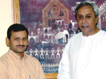 Suresh Mohapatra with CM (file pic)