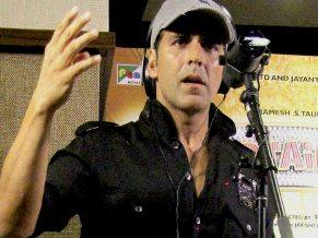 Akshay Kumar in the recording studio  ( pic-Yogen Shah)