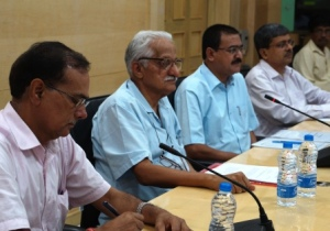 CEC team interacting with  State Chief Secretary and other state officials