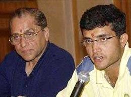 Jagmohan Dalmiya with Sourav Ganguly