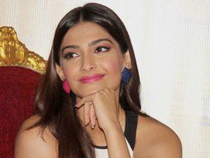 Sonam Kapoor at 'Khubsoorat' trailer launch  ( Pic-Yogen Shah)