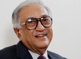 Ameen Sayani ( source : indiawires.com)
