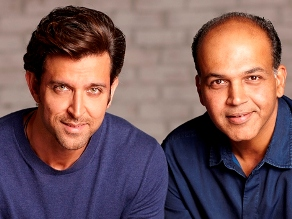 Hrithik with Ashutosh ( source-boxofficeindia.co.in)