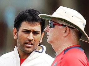 MS Dhoni with Duncan Fletcher (source: theguardian.com)