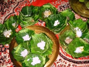 Nuakhai offerings in leaf plates (courtesy: mysambalpur.in)