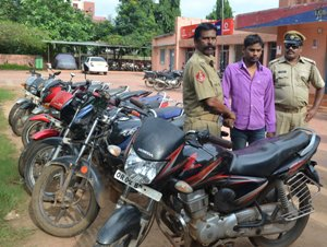 The arrested youth with the stolen bikes (Photo: Biswaranjan Mishra)