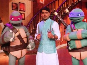 Teenage Mutant Ninja Turtles with Kapil Sharma on the sets of Comedy Nights with Kapil